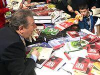 İstanbul Kitap Fuarı'nda 'Akşener' saldırısı