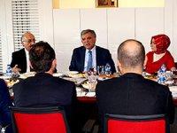 Abdullah Gül, Karar gazetesini ziyaret etti