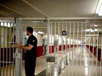 Fransa'daki cezaevinde isyan!