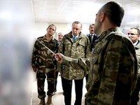 Erdoğan'dan Suriye sınırına sürpriz ziyaret