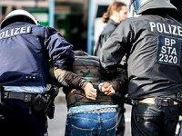 Düsseldorf'taki Afrin gösterisine polis müdahalesi