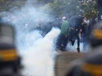 Fransa'da polis ile göstericiler arasında çatışma