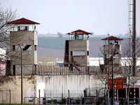 Bakanlık cezaevi yetiştirmeye çalışıyor